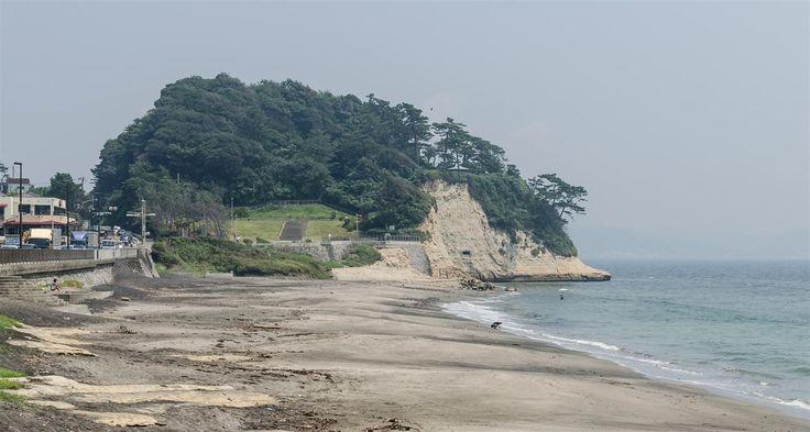Best Tourist Places Shichirigahama Beach (Kanagawa) :Shichirigahama is a beach near Kamakura, Kanagawa prefecture, Japan, which goes from Koyurigimisaki Cape..