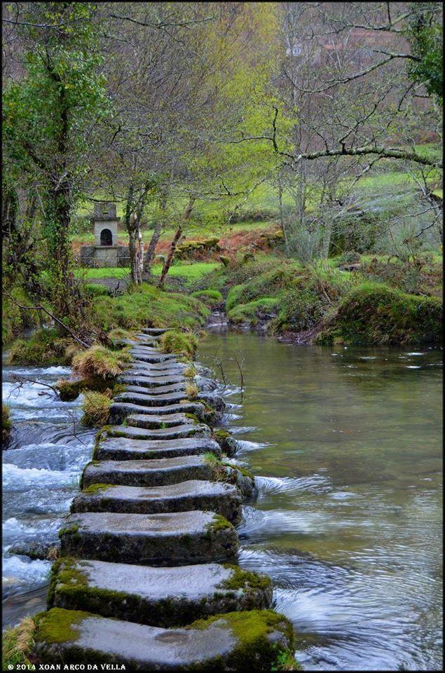 Paso das Poldras - O Portamedos - A Lama, Galicia,  Spain.