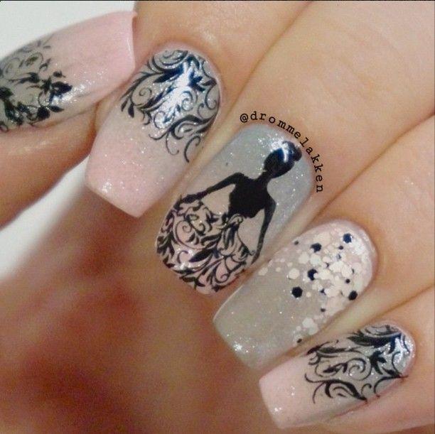 Elegant Princess Stamping Nails: http://instagram.com/p/x08zKPx3Ws/?modal=true