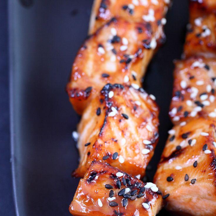 Découvrez la recette des brochettes de saumon
