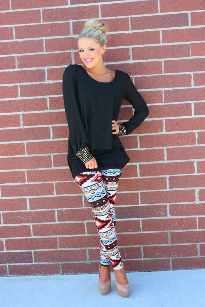 Outfits with Printed Tights: plain shirt and ethnic print leggings What to Wear with Ethnic Prin ...