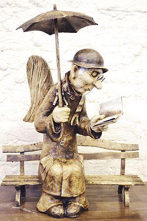Авторская кукольная скульптура Петербургский ангел, папье-маше, автор Роман Шустров.  Shustrov