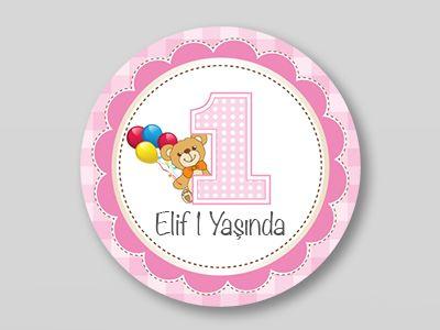 Kız çocuğunuzun ilk doğum günü organizasyonunda kullanabileceğiniz harike bir sticker örneği