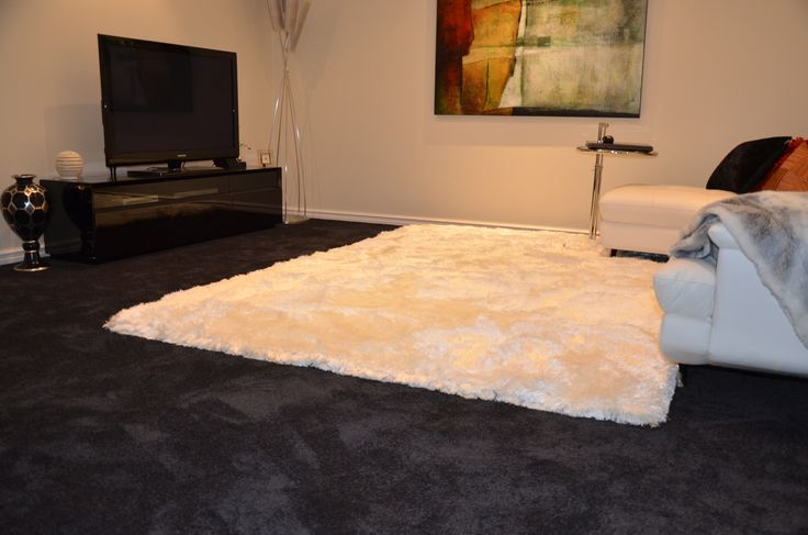 Smartstrand SIlk Trends Installed with Adore White Rug over the top Harvey Norman Flooring Osborne Park. #Adore #White #Harveynormanflooring #carpet #rug #shagpile #clouds #black #texture