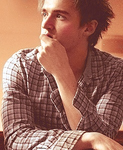 Tom Fletcher of Mcfly<3 I want to meet him so bad!!!