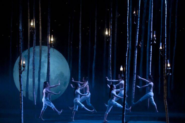 Twilight world of Sleeping Beauty-Matthew Bourne choreographer - very cool atmospheric effect in this stunning but minimal set.