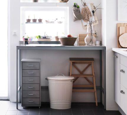 Energiezuinige keukenapparatuur in een grote, kindvriendelijke keuken