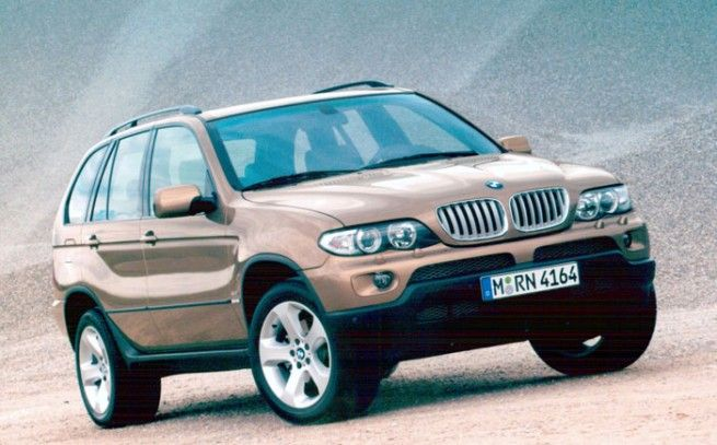 bmw x5........... BMW CS1, the base of the current 1 Series Convertible. Chapman is also credited with the first-generation BMW 1 Series hatchback, known internally as the E87, which wasn't sold in the United States.In 2002, Chapman becomes the Director of Automotive Design at DesignworksUSA. He has been in charge of recent models like the Z4 sports car and the redesigned X3 crossover.