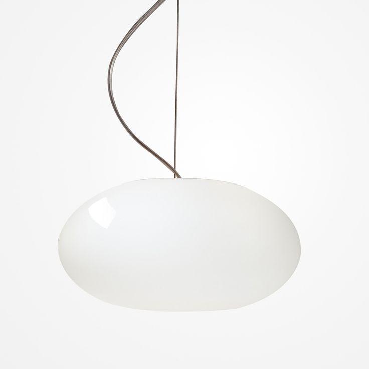 Die AIH Pendelleuchte ist eine klassisch/-moderne Pendelleuchte aus opal Glas.  Material:Mundgeblasenes Glas / Aluminium handgebürstet Farben: weiß glanz / creme glanz / weiß matt / weiß glanz Lichtquelle EINZELPENDEL:...
