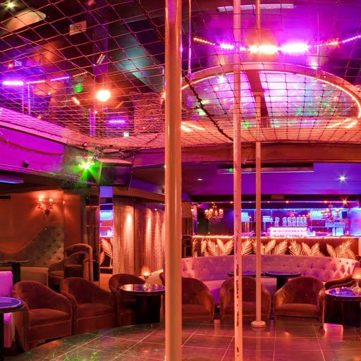 Penthouse club paris virtualtour finder hotels for Wohnzimmer 4 x 10