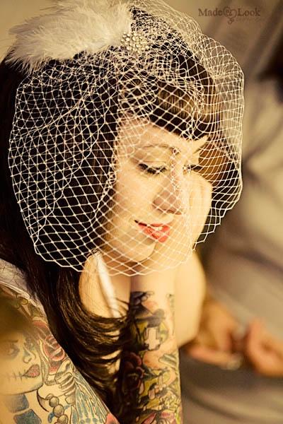 Rockabilly Bride ivory feathers fascinator