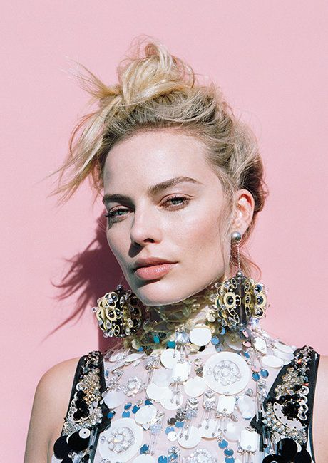 Margot Robbie Excellently Flips Off Press And Flashes Ring   Fashion Magazine   News. Fashion. Beauty. Music.   oystermag.com