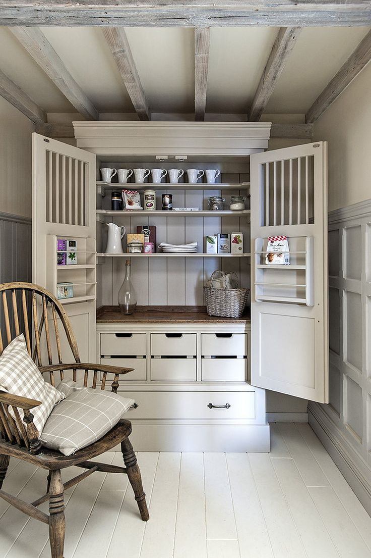 Middleton Bespoke, Handmade Country Kitchens & Furniture, Sussex  ~ lovingly repinned by www.skipperwoodhome.co.uk