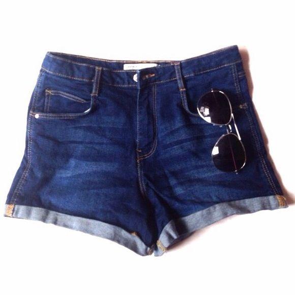 1 DAY SALE.        TRAFALUC ZARA shorts Classic blue jean shorts. Waist - appx 15, length - appx 11. Zara Shorts Jean Shorts