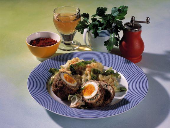 Schottische Eier mit Stampfkartoffeln ist ein Rezept mit frischen Zutaten aus der Kategorie Kochen. Probieren Sie dieses und weitere Rezepte von EAT SMARTER!