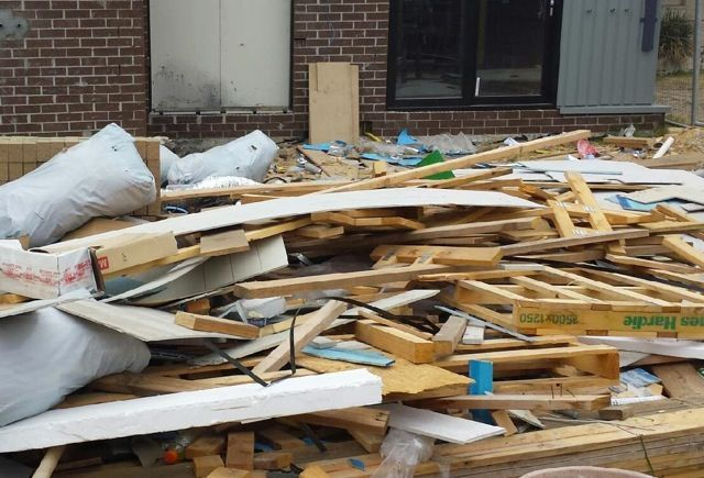 For your commercial rubbish removal requests, contact Triple R Solutions. We are based in Melbourne, and we offer quality rubbish removal for all commercial jobs.