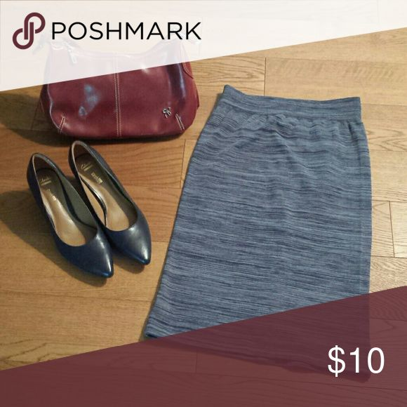 New Navy Blue & White Pencil Skirt sz L / XL NWOT Very Stretchy. Polyester and spandex. COCO Limon Skirts Pencil