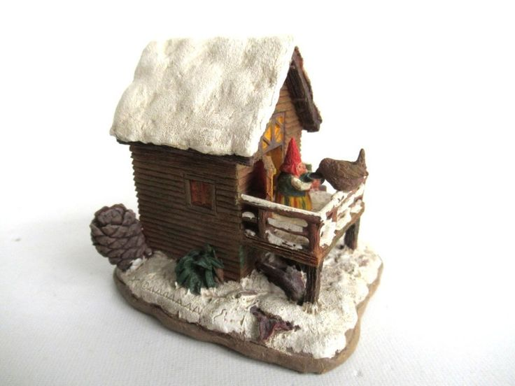 Rien Poortvliet Classic Gnomes Villages Gnome figurine 'House with Wren'.