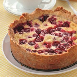 Пирог с ягодами на творожном тесте