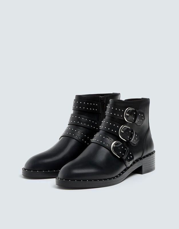 b62caced Botín negro detalle hebillas - PULL&BEAR | Style en 2019 | Botines ...