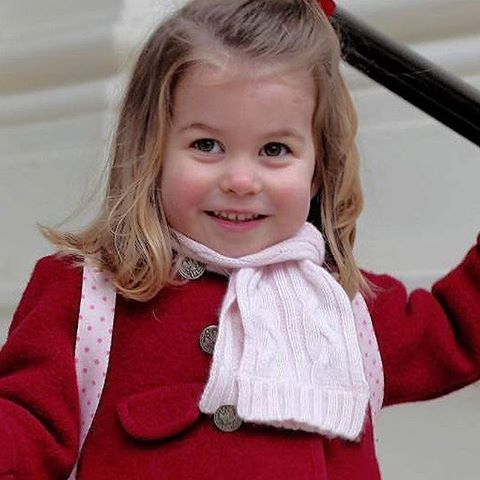 Princess Charlotte photographed by her mother The Duchess of Cambridge at Kensington Palace on her first day at Willcocks Nursery School on January 8,2018. . SHE'S SO SWEET! ♡ . #princesscharlotte #katemiddleton #duchessofcambridge