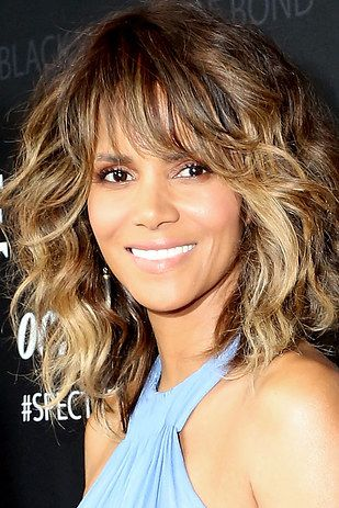 Halle Berry | 17 Insanely Gorgeous Women Who Make Us Want To Shave Our Heads
