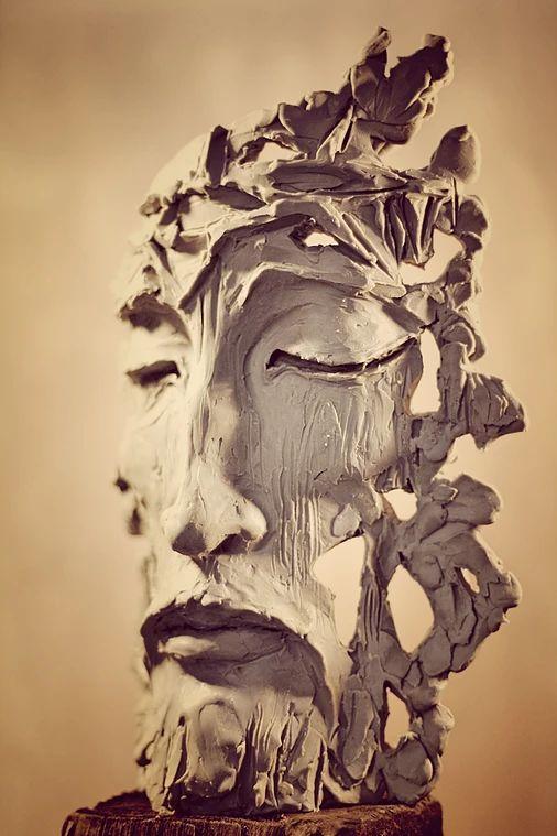 Strona prezentuje prace rzeźbiarskie artysty rzeźbiarza Marka Maślańca.