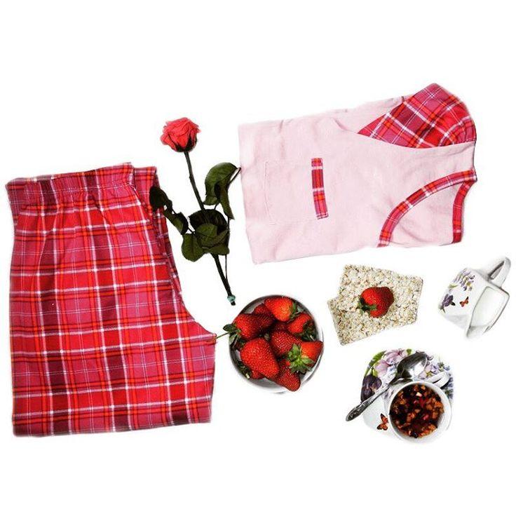 Colectia noua de lenjerie intima va fi în curand completata de colectia noua de pijamale Uniconf!