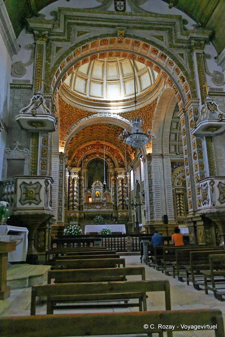 Nef de l'Eglise de Nossa Senhora Nazare Portugal