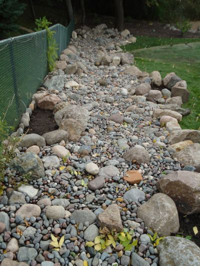 Dry River Bed Gardens Designs |