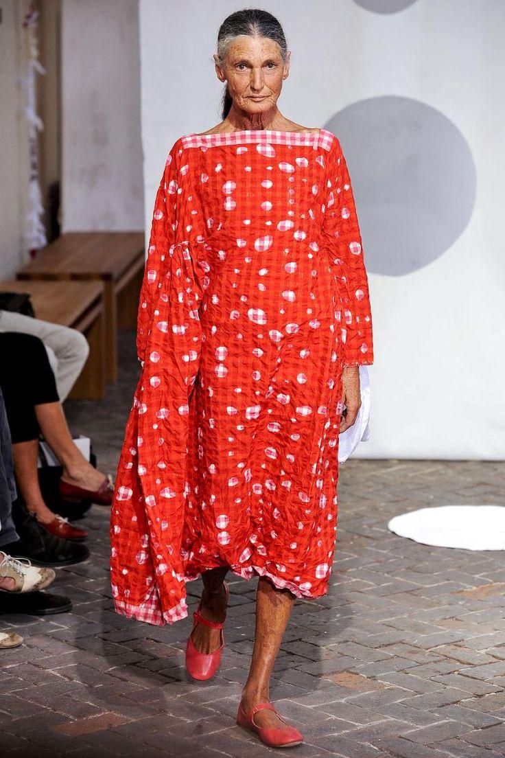 Daniela Gregis 2014 Détail  carreaux  Vichy encolure et motif organique robe
