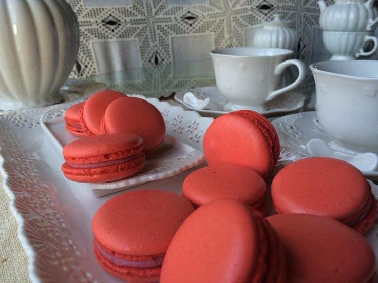 Stunning Red White Chocolate Raspberry Macarons. Best Macaron in Ottawa <3 Get more Cute Macaron ideas on www.CarlasCakesOnline.com