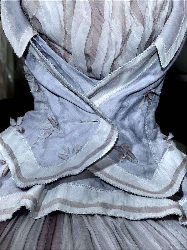 '' Marie Antoinette '' dress ( bodice detail ) c.2006 Rochas par Olivier Theyskens   Palais Galliera   Musée de la mode de la Ville de Paris