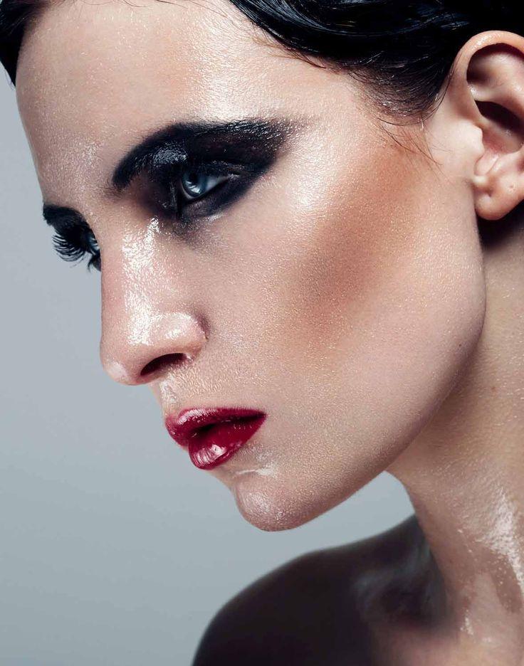 Wet Makeup. Actualización PIEL: 3 y 4 Septiembre 4:00-7:00pm Info en 36 27 48 46