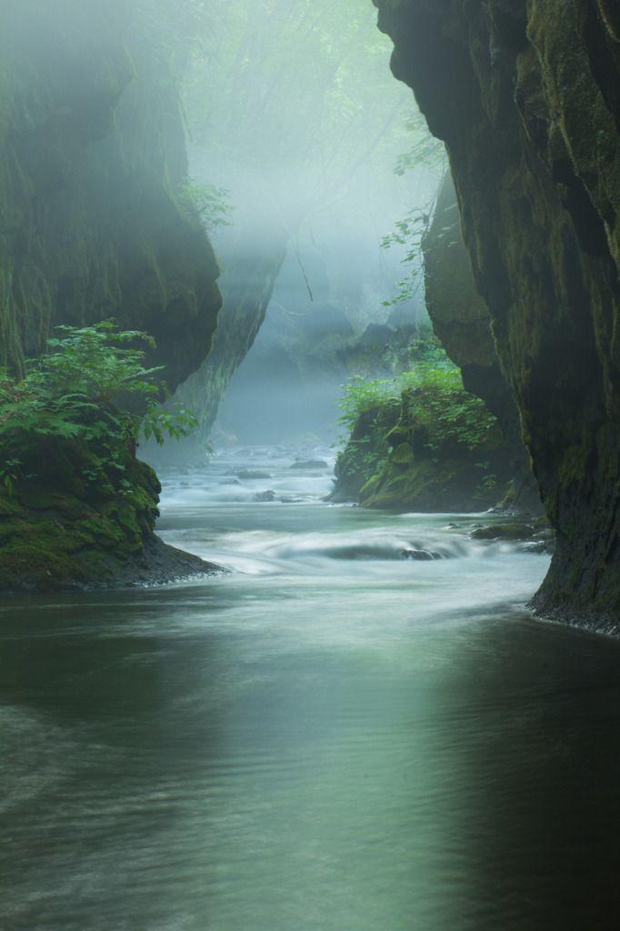Tarumae gorge, Hokkaido, Japan 樽前ガロー
