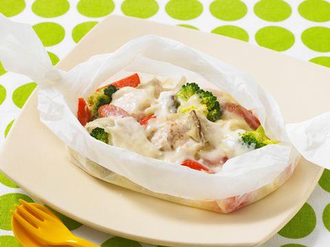 鶏むね肉とソーセージ野菜のクリームソース煮: カップスープのもとを使った簡単なクリームソースで、あっさりした味わいの鶏胸肉にコクをプラスします|レシピライブラリ|旭化成ホームプロダクツ
