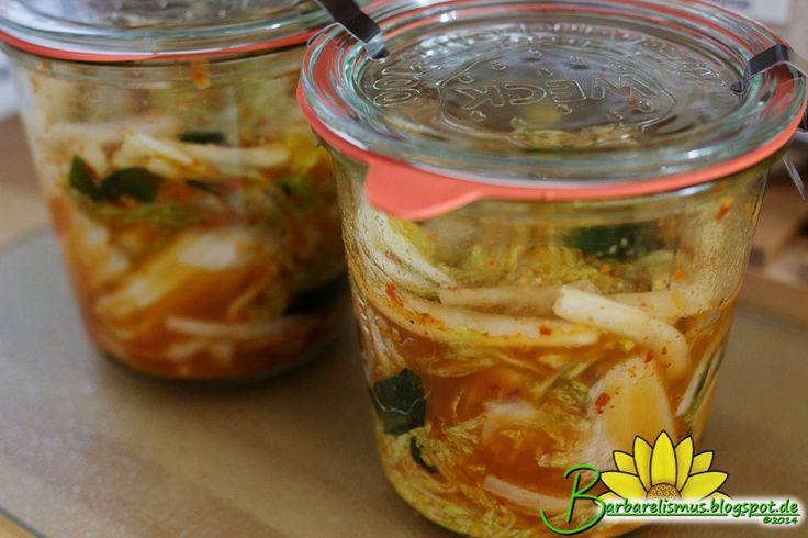 Kimchi é um prato fermentado muito gostoso de origem coreana, que pode ser usado como salada ou prato principal, ou ainda incorporado a s...