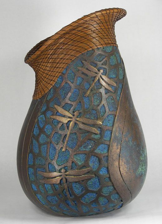 What to do with the gourds I grew a few years ago ...? Love this gourd by Judy Richie, Gourd Sculpture.