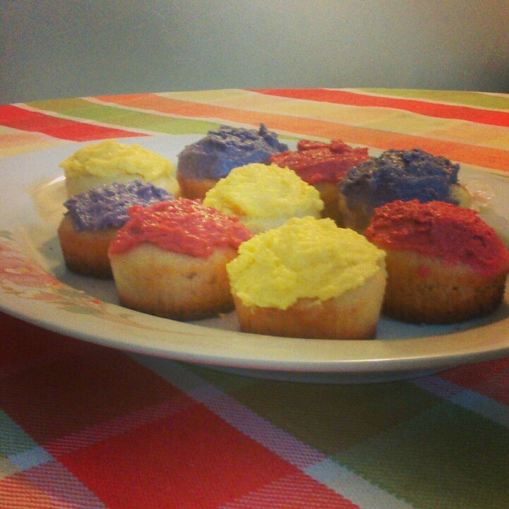 Home made cupcakes!! Easy and delicious <3