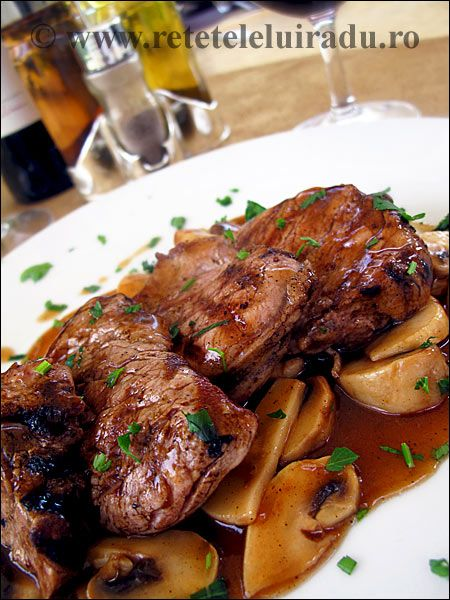 Pork tenderloin with brown sauce and mushrooms