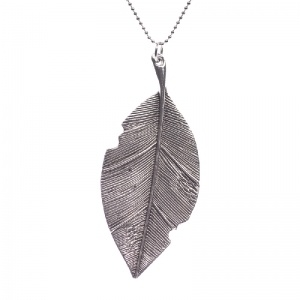 Silver color leaf necklace