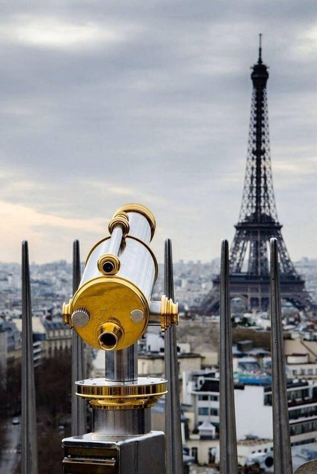 Vue de la tour Montparnasse, Eiffel Tower, Paris.