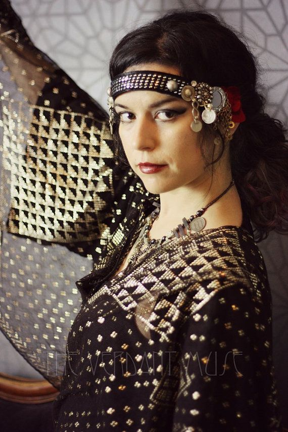 Assuit Tribal Kopfschmuck  Red Velvet von theverdantmuse auf Etsy