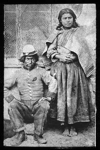 Soldado boliviano y rabona