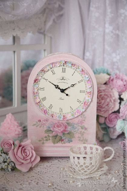 Pink clock with flowers