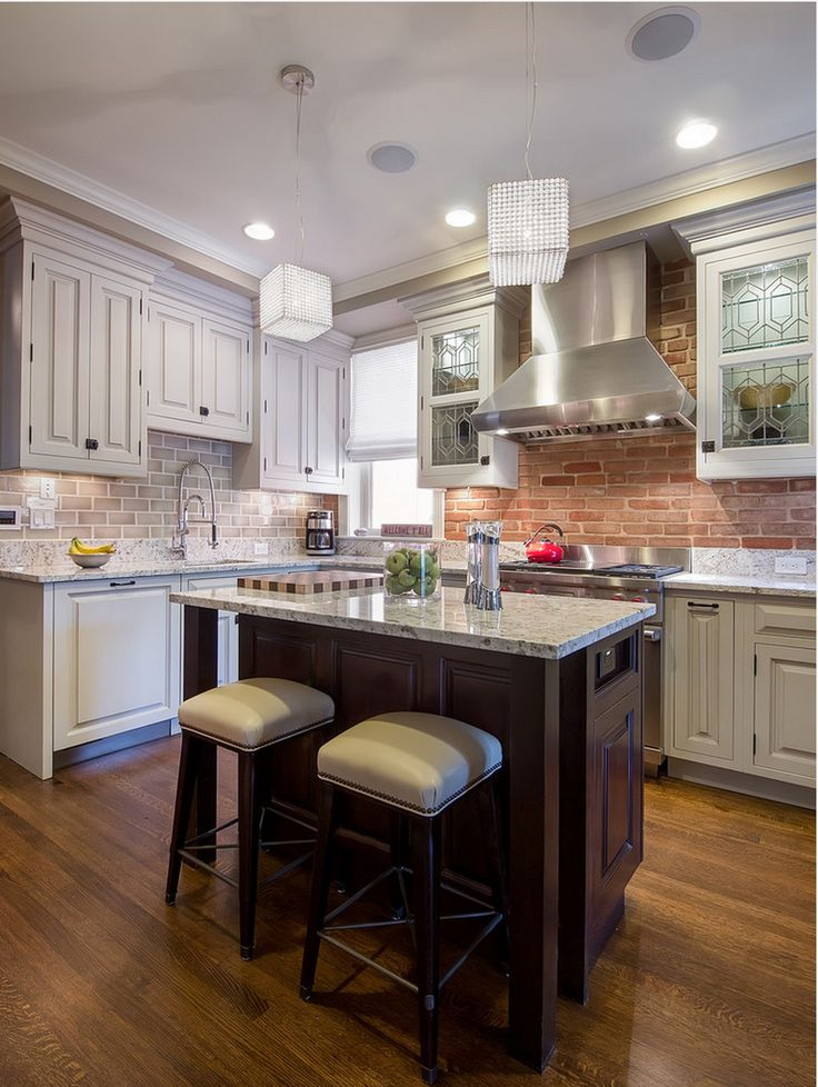 decorology: Two tone kitchen cabinets
