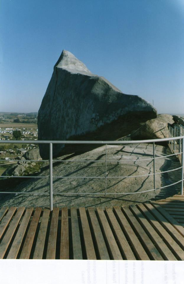 Réplica de la Piedra Movediza, Tandil, Buenos Aires, Argentina.
