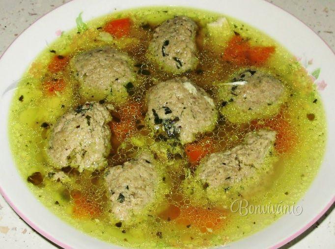Babkine játrové knedlíčky • recept • bonvivani.sk                                                  ---- looks like liver dumpling soup to me... YUM!