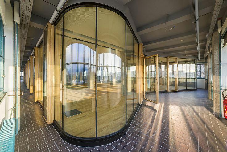 Tabakfabrik Linz: Zwischen den Wänden des Bau 2 und dem eigentlich Office-Bereich wurde der bestehende Fliesenboden beibehalten.