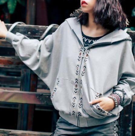 Batwing sleeve hooded sweatshirt for girls geometric embroidered zip up